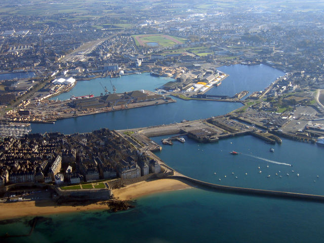 640px-IMG_2935_StMalo